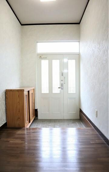 玄関 靴置き場があり、玄関がスッキリします!
