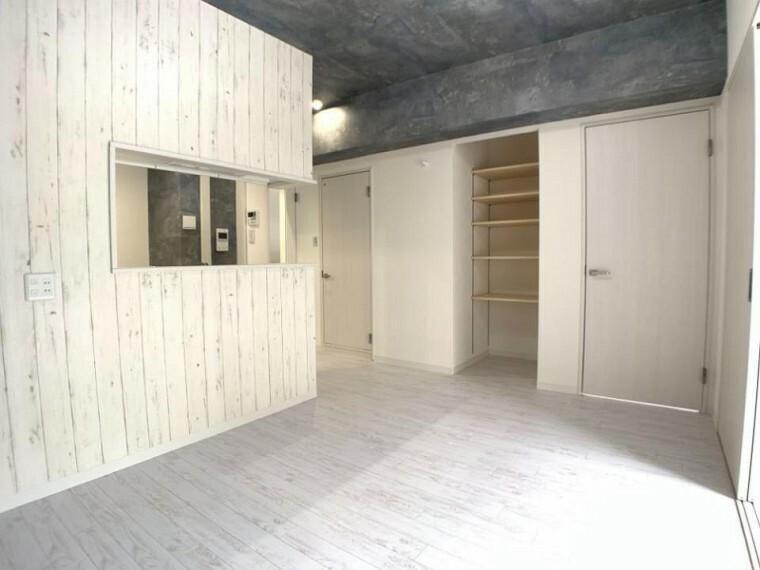 ダイニングキッチン あると嬉しい収納スペース!くつろぎ空間もスッキリです