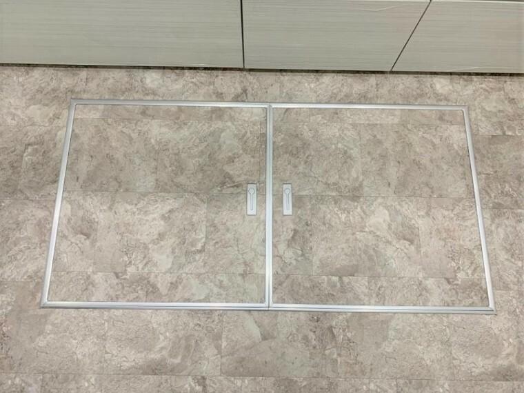 便利に収納、キッチンを快適に利用できる床下収納付
