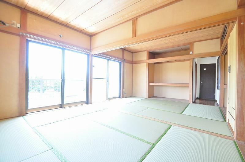 和室 2階和室2(建具はこれから入ります)