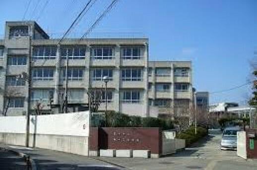 中学校 【中学校】第十三中学校まで997m