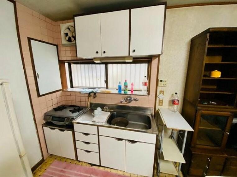 キッチン キッチンや水廻りに窓があるので、換気もバッチリ