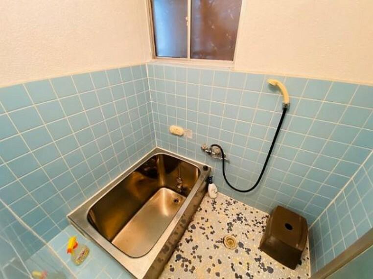 浴室 上に空間が広く開放感がありますね