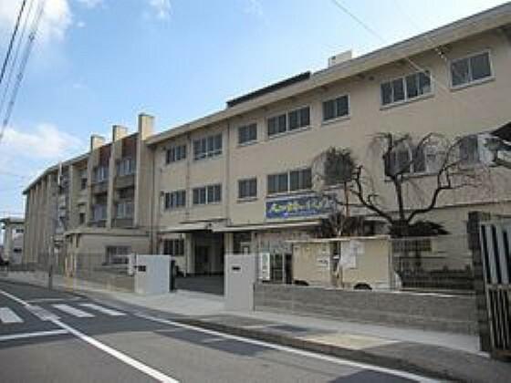 中学校 【中学校】向日市立勝山中学校まで1003m
