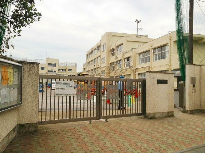 小学校 世田谷区立松原小学校 徒歩5分。