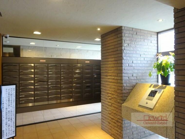 郵便受け 共用部も綺麗に管理されていて気持ち良く新生活を送れますね!