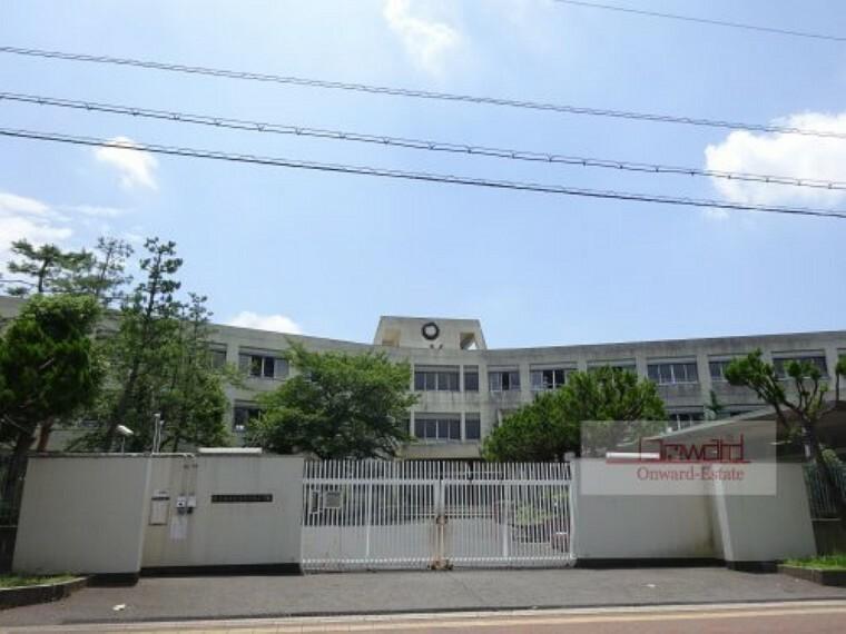 小学校 【小学校】東大阪市立意岐部東小学校まで650m
