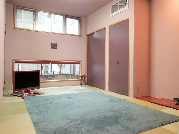 和室 しっとりと落ち着いた雰囲気の和室 。和室の醸し出す空間は、不思議と心が落ち着きますね!