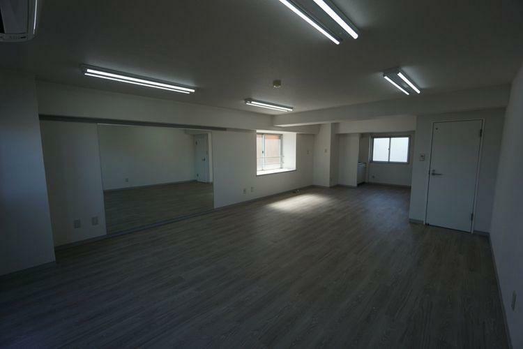 居間・リビング 室内はLDKと洋室あわせて22帖の広々空間が広がっております。