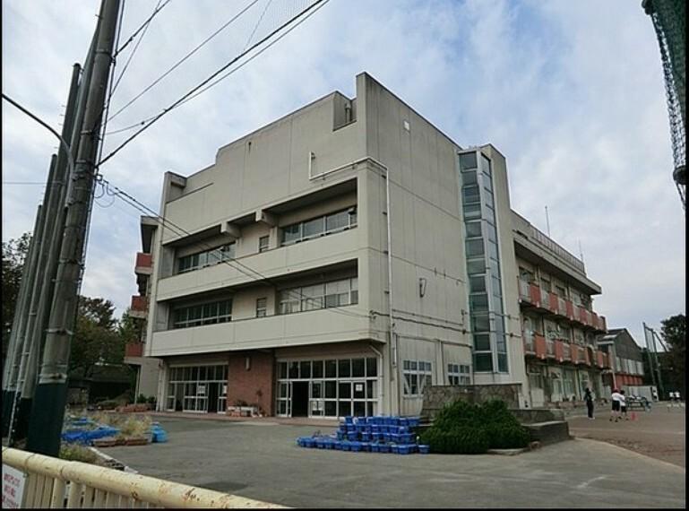小学校 横浜市立山王台小学校 学校教育目標:自分のよさに気付き、相手の気持ちを大切にしながら、ともに高めあって生きる