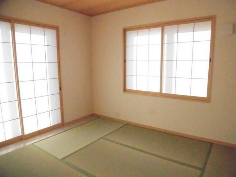和室 LDK+隣接和室、開放すれば計約22帖。おもてなしスペースにもどうぞ。
