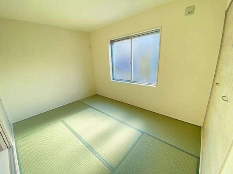 和室 いぐさの香りがする和室は、客室としても使用でき、お子様のお昼寝にも使い方色々です!