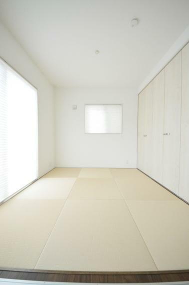 和室 リビングに併設した4.5帖の和室