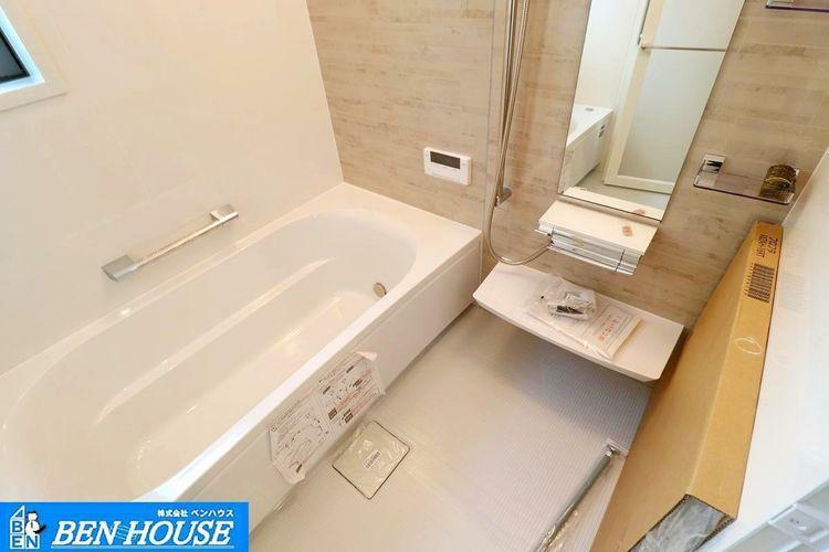 浴室 ・浴室換気乾燥暖房機付きシステムバスはお手入れもしやすい設備です ・雨が続く日のお洗濯ものは浴室乾燥機で安心です ・寒い季節のヒートショック防止には浴室暖房機が大変重宝しますね ・是非ご確認くだ