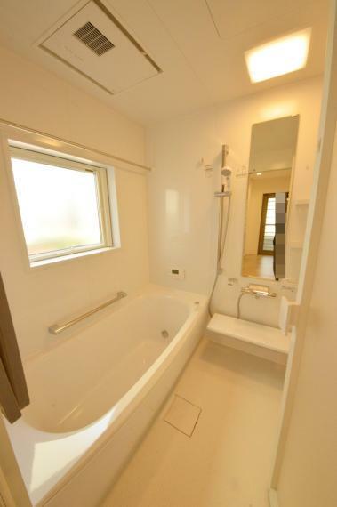 浴室 浴室乾燥機能付き1坪タイプの浴室
