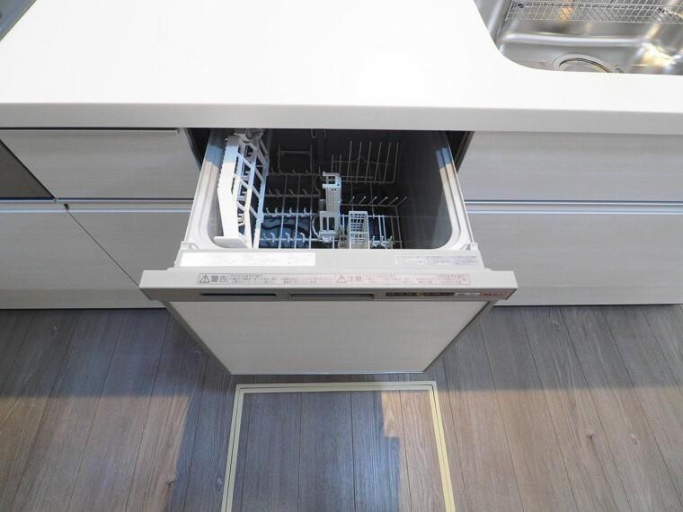 キッチン 食器洗乾燥機付で忙しいママをサポート