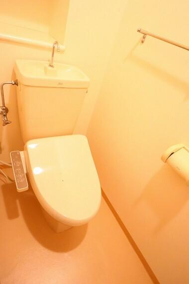 トイレ トイレ 温水洗浄便座  便座が暖かく、冬でも快適です!