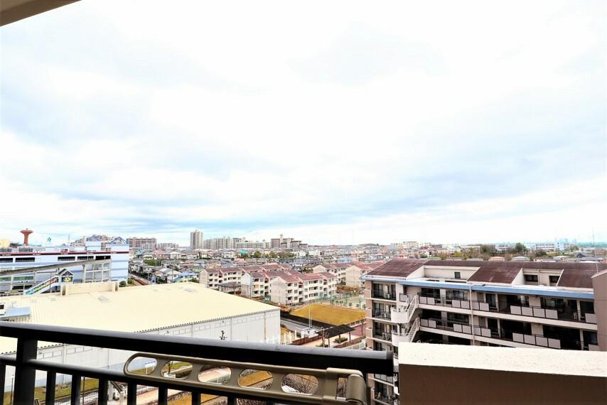 眺望 眺望写真 9階部分、遮るものがなく見晴らしのいいバルコニー 一日の移ろいを楽しんで頂けます。