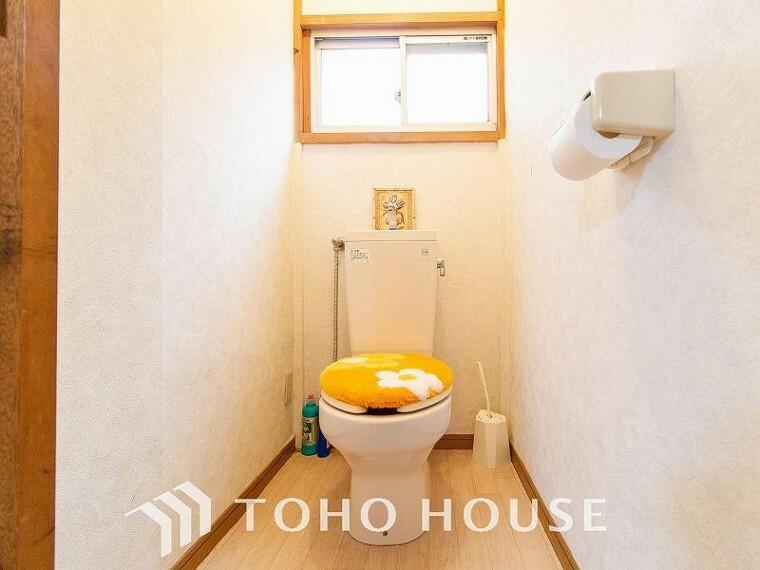 トイレ 換気と明るさに配慮した、清潔感溢れるトイレ。毎日使う場所だからより快適な空間に。