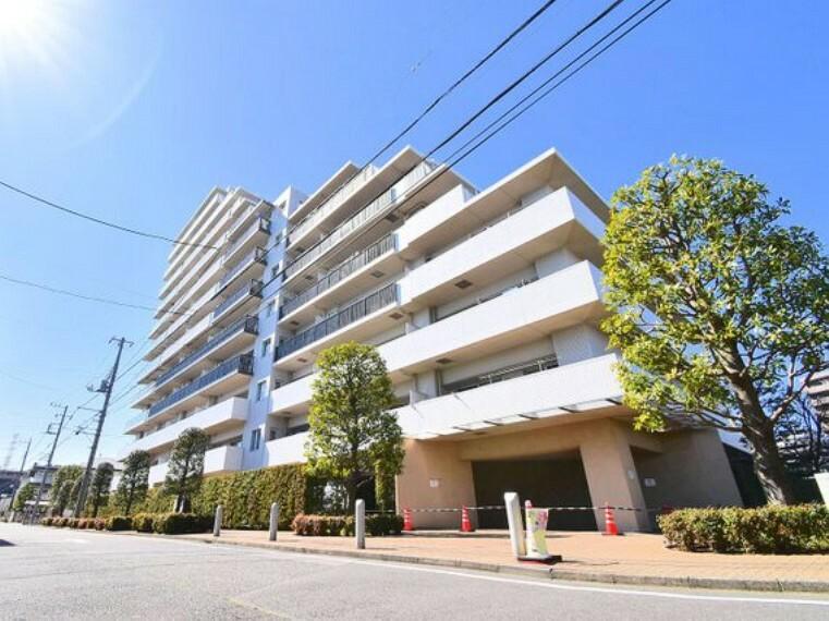 外観写真 南浦和駅徒歩7分、15階建て13階部分・総戸数228戸の高層マンションです。ペット飼育可(規約有)