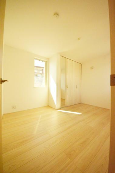寝室 3階 5.3帖の洋室
