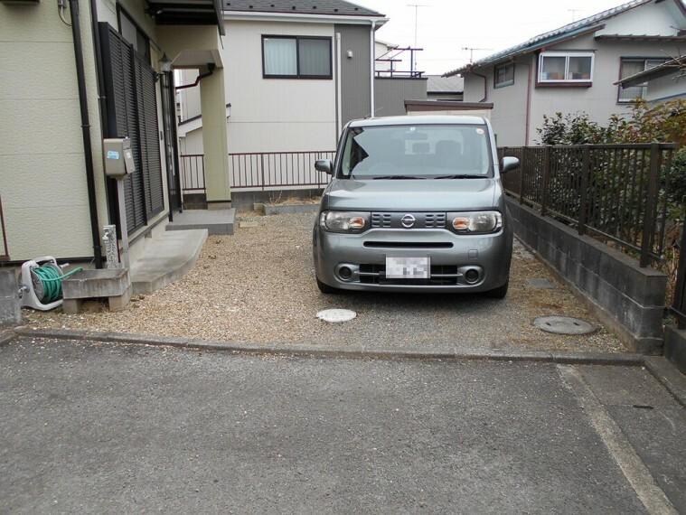 外観・現況 お車2台駐車可能です。(車種による)