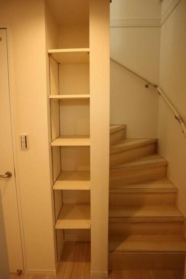 収納 普段使わないものを全部しまってしまえばお部屋の空間をたっぷり使うことが出来ます。