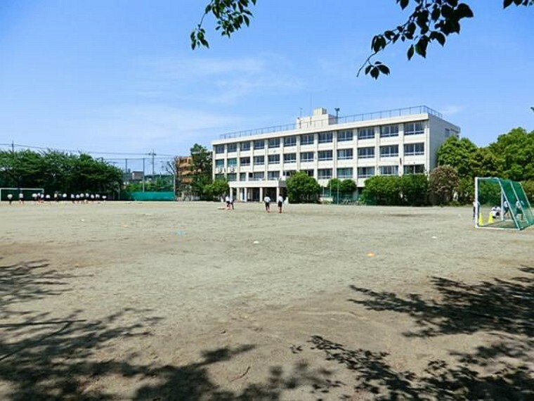 中学校 稲城市立稲城第四中学校まで385m