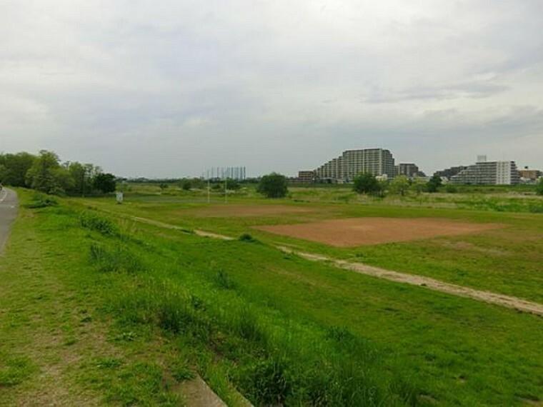 公園 多摩川緑地公園まで1698m
