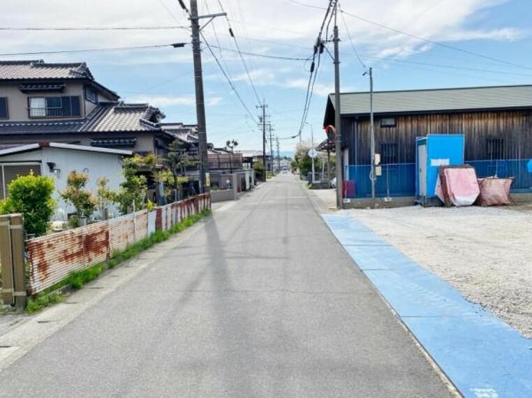 現況写真 前面道路(2021年4月)撮影