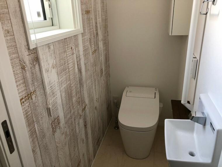 トイレ タンクレストイレで、お掃除も楽々  ゆったりした空間を実現。