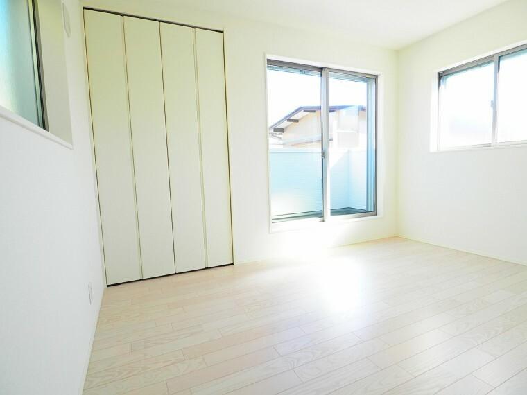 洋室 【洋室イメージ】 白を基調とした明るく清潔感のあるお部屋。