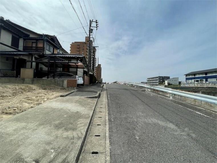 現況写真 前面道路 北側公道
