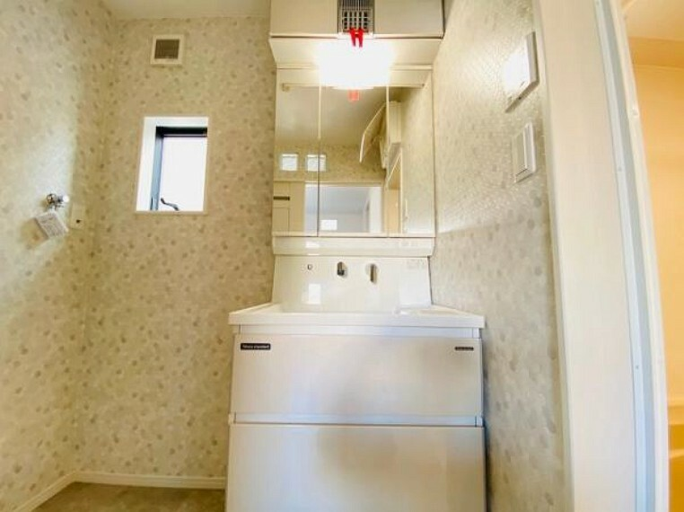 洗面化粧台 洗面室収納もあります