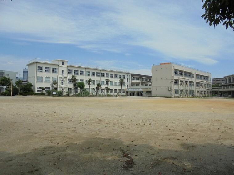 小学校 【小学校】潮江東小学校まで283m