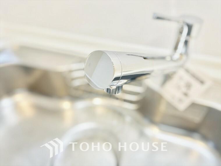 キッチン キッチン対面キッチンでも油跳ねなどきっちりカバー見通しも実用も兼ね備えて。