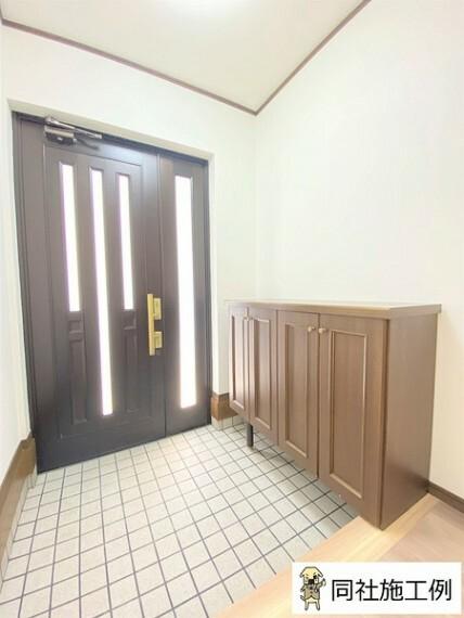 玄関 お好きな香りやお気に入りのインテリアで気持ち良い空間にし、収納でスッキリさせ大切な家族やお客様をお迎えしましょう。
