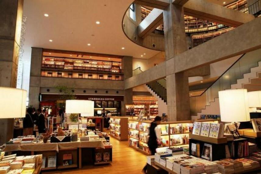 図書館 海老名市立中央図書館
