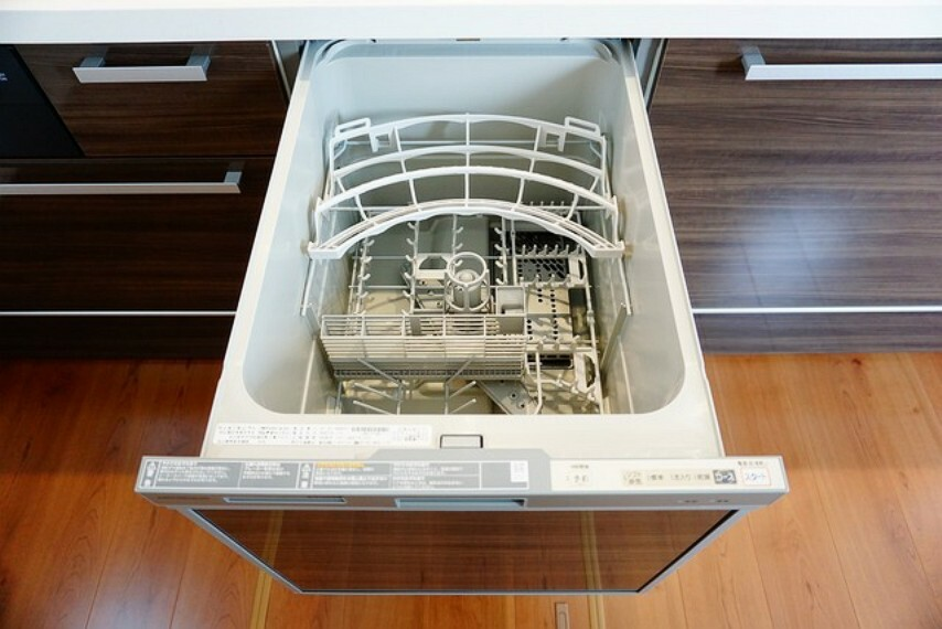 キッチン 家事の時間が短縮できる食器洗い乾燥機付。 食器洗浄乾燥機付なので片付けも楽々です^^