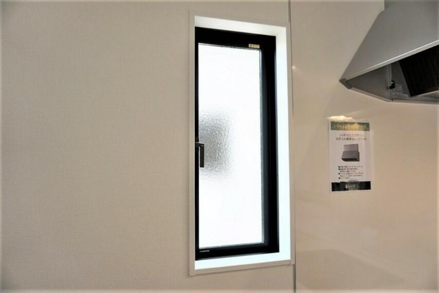 キッチン 窓付きのキッチンです^^明るく風通しもよくなるのでうれしいですね^^