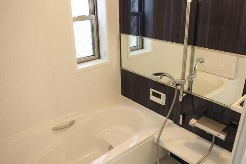 浴室 ゆったりバスルーム。1坪タイプのくつろぎの空間。