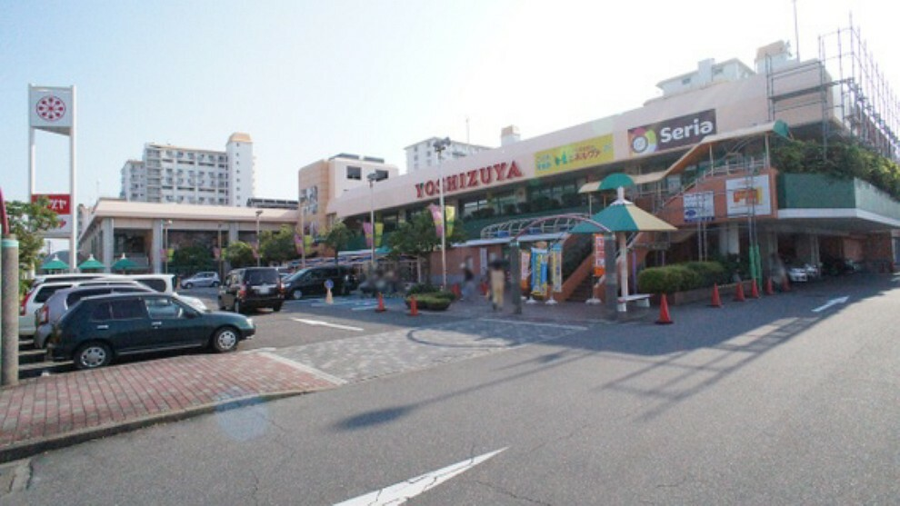 ショッピングセンター ヨシヅヤ師勝店まで徒歩約45分。(約3600m)