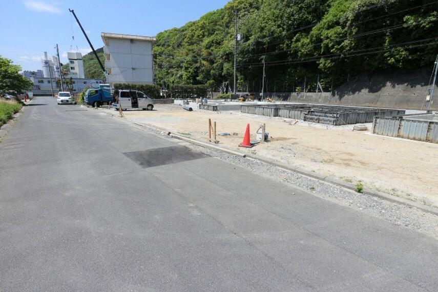現況外観写真 2021年4月27日撮影 南側前面道路幅:約6m