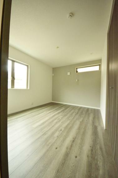 寝室 3階の主寝室 6.7帖