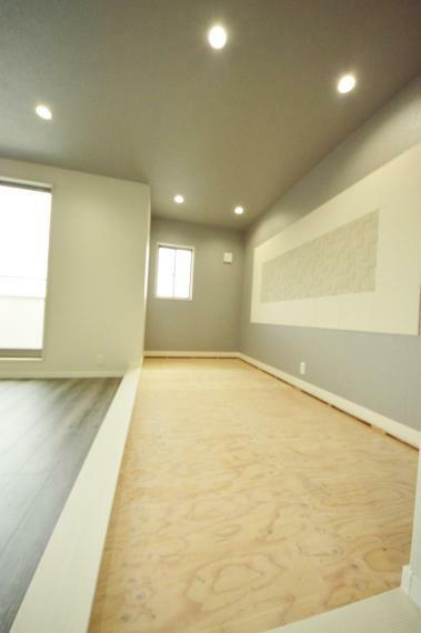 洋室 3階 4帖畳コーナー