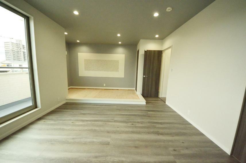 洋室 3階 洋室+畳コーナー