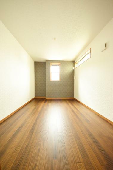 洋室 3階洋室 6.7帖