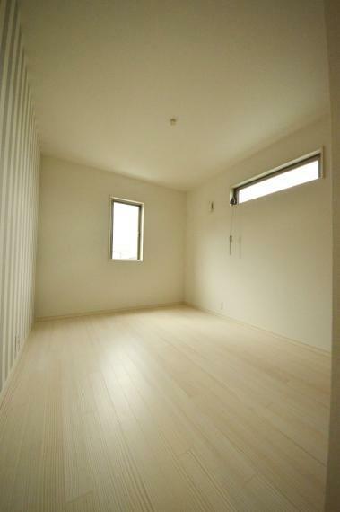 3階 6.2帖の洋室