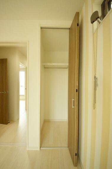 洋室 3階 洋室クローゼット