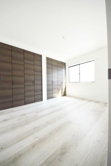 3階6畳の洋室 収納